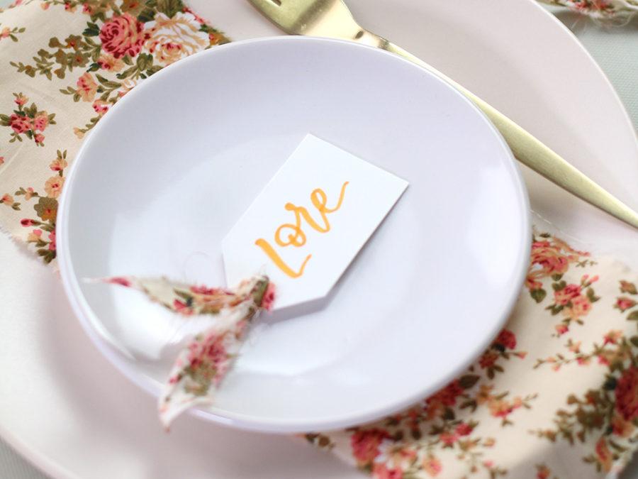 Marcasitio boda lettering y tela. Curso Online de invitaciones de boda hechas a mano Escuela Project Party