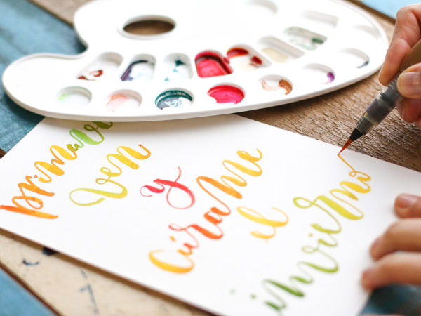 Curso lettering con rotuladores Escuela Project Party