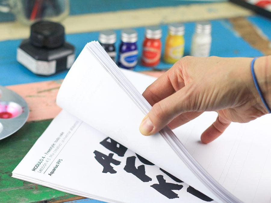 Curso lettering pinceles Escuela project party